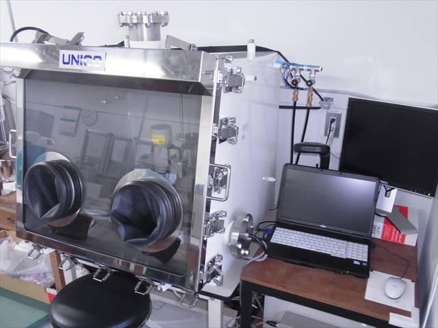 グローブボックス+電気化学測定システム